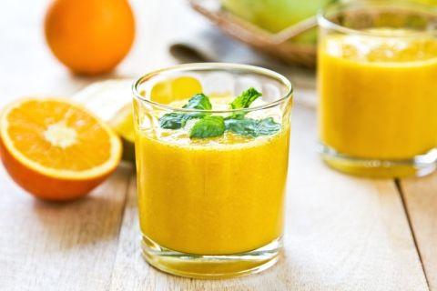 Smoothie med appelsin, vaniljestang og ingefær - sundt energiboost