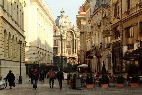 Imagine prin We Heart It #architecture #beautiful #bucharest #city #cute #europe #nice #pretty #romania #street #sun #travel #littleparis #photograoy