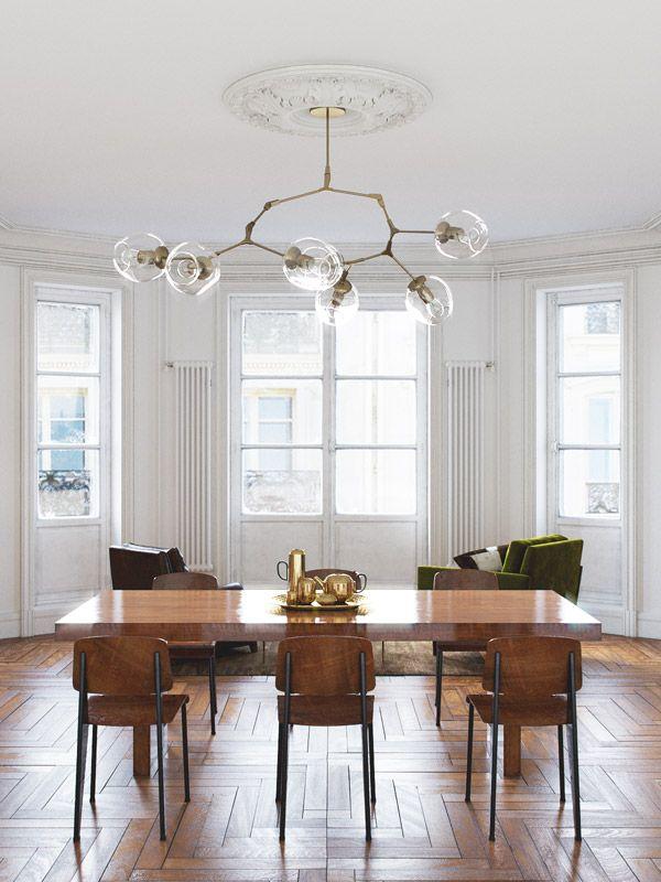 Jadalnia | Drewniany Parkiet + Drewniany Stół + Drewniane Krzesła + Lampa