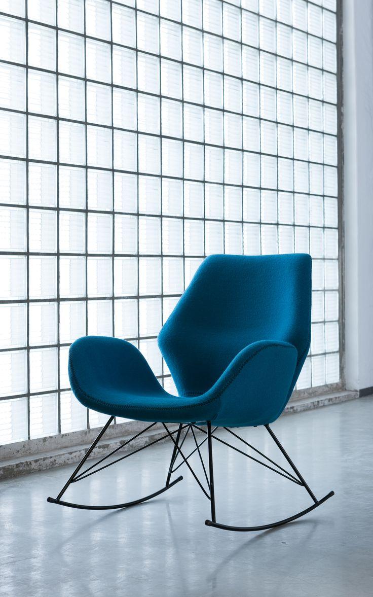 Nuestro sillón Architectura te está esperando. Comodidad, elegancia y buen gusto, perfecto para decorar tu estudio. #Kare, #Design, #Sofa.
