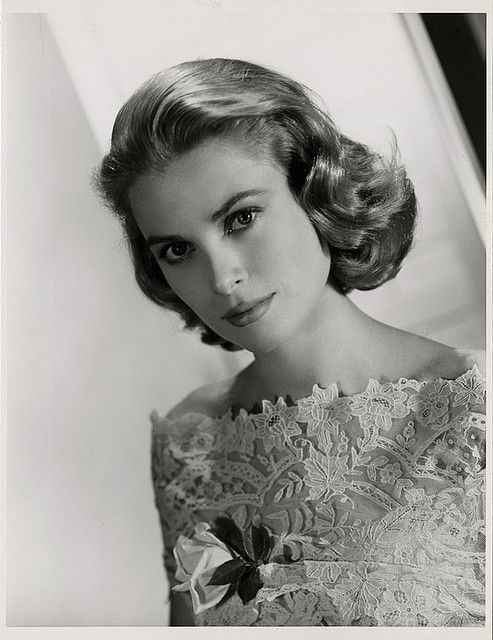 I don't care for most of the famous - or infamous - that Hollywood cranks out. Grace Kelly is an exception. Such grace, such beauty, such a lady. Where have all the real ladies gone? They seem to be a thing of the past. Sad.