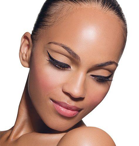 zwart met metallic Khol oogpotlood   Vooral aangepast aan de gevoelige en dunne huid rond en in het oog geeft het Kohl oogpotlood diepte en intensiteit aan de ogen. - See more at: http://www.extreme-beautylife.nl/index.php?route=product/product&path=170_72_79&product_id=2563#sthash.UF2Su1V1.dpuf