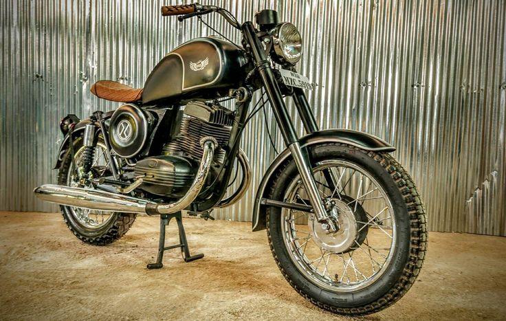 Raw Angel ~ Classic Yezdi restoration by Dochaki Design | 350CC.com