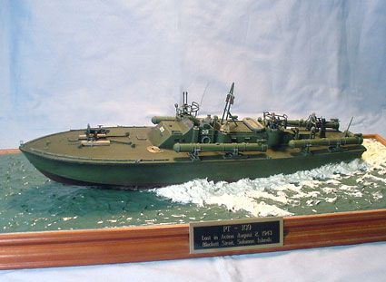 17 Best images about revell p.t.109 model 1/72 scale on Pinterest | Models, Boats and Theater