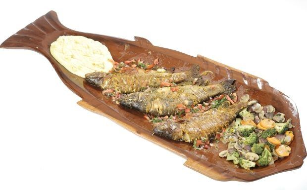 Cozinheiros em Ao - 3 temporada - Ep. 4 - Truta marinada com pur de batata-doce e legumes grelhados (Foto: Adalberto de Melo