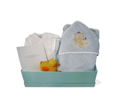 """""""Canastilla de bebé Low Cost 3"""" - 59€ (Envío a toda la península) Incluye Caja forrada; Osito; Body de algodón interior; Capa de baño; Cepillo; Peine"""