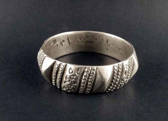 Old berber silver bracelet from Morrocco, berber jewelry, old tribal bracelet, ethnic jewellery, berber silver, morrocan bracelet