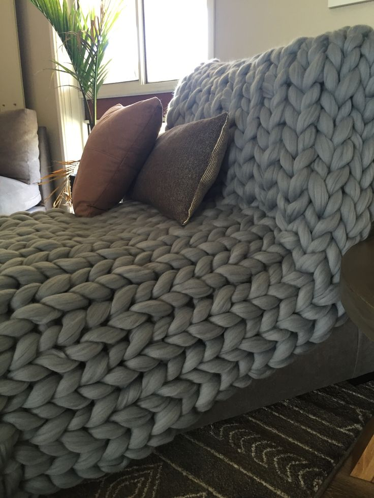 #chunkyknitstyle #wool #blankets #lounge #loungechair