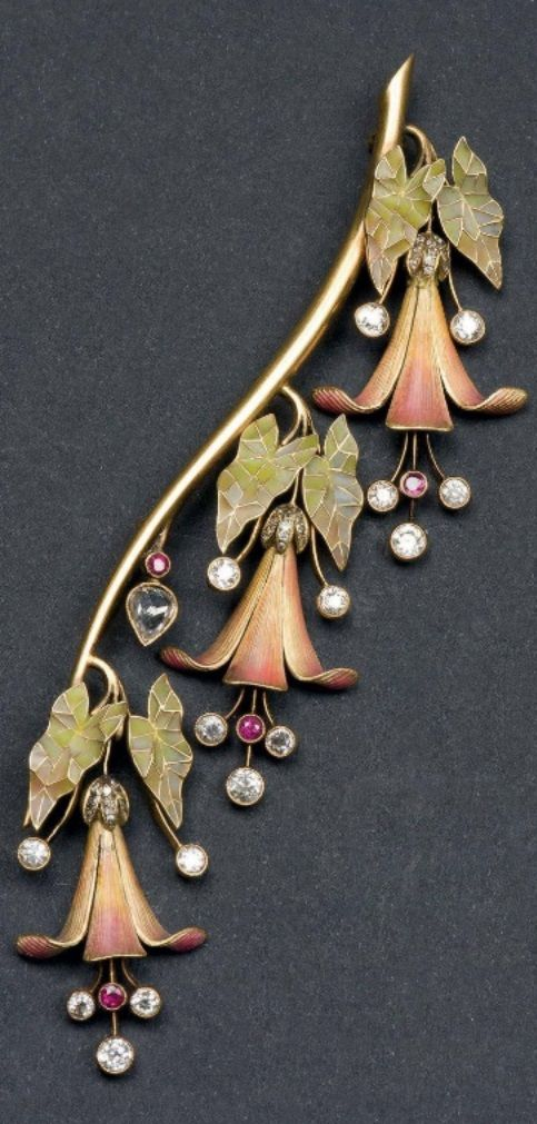 Vever attributed - A gold, enamel and diamond Fuchsia brooch. With an accompanying Maison Vever case.