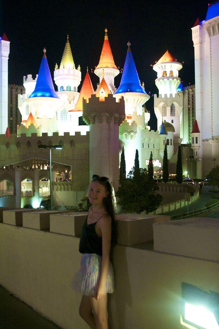 Las Vegas, castle, travel blogger, travel, usa, roadtrip, nevada instagram: @annsofieph