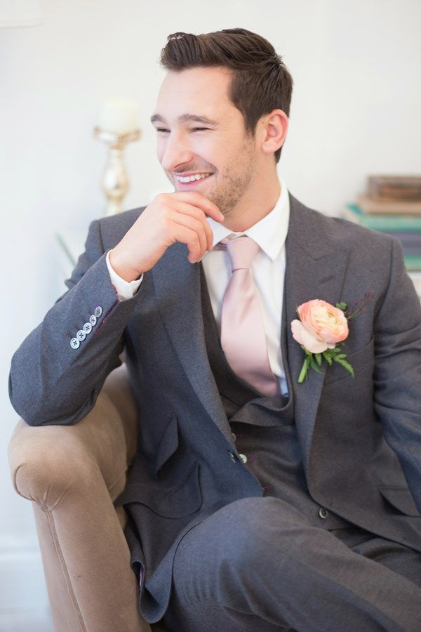 Groom wearing a twobirds Bridesmaid blush tie and grey suit from Room Ten | Image by Claire Graham Photography