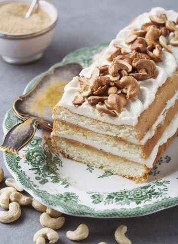 Ciasto biszkoptowe z kajmakiem i nerkowcami #delektujemy #delecta #calmel #cake #desert
