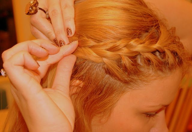 French Braid Bang Tutorial- totally taught me how to finally do this