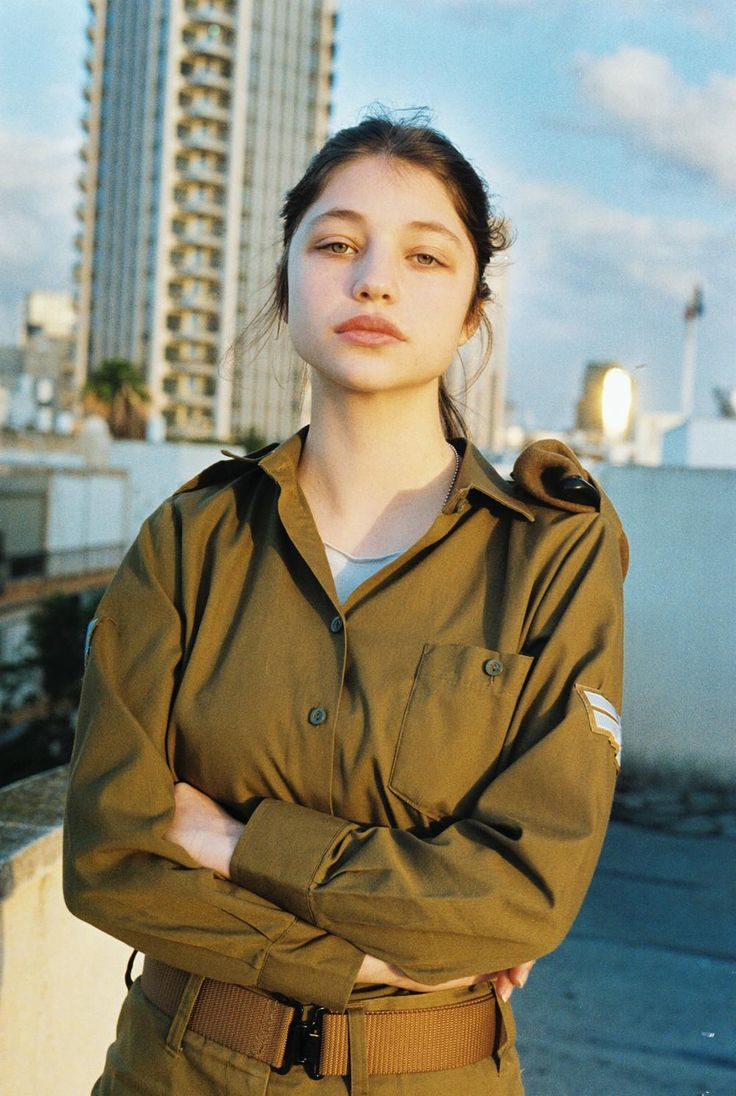 Photos from the Everyday Lives of Young Female Israeli Soldiers | VICE | United States