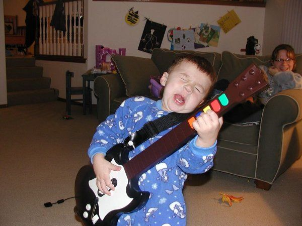 kids with guitars!Photos, Kids Ha, Rocks On, Plays Guitar, Funny Pictures, Rocks Stars, Cute Kids, Guitar Heroes, Rolls
