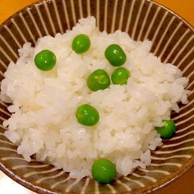 グリーンピースがシワシワにならない作り方です。これを教えてもらってからはずっとこの作り方です(^-^)/ - 116件のもぐもぐ - グリーンピースご飯 by maruma8661