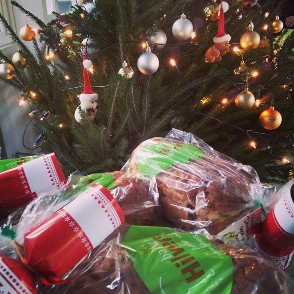 Mede dankzij bakker Hilvers is er voor onze vrijwilligers in ieder geval iets lekkers om van te genieten tijdens de feestdagen!
