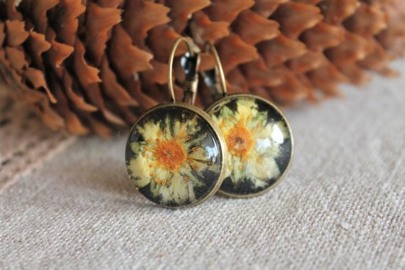 Pressed flowers terrarium earrings dangling herbarium by Miodunka