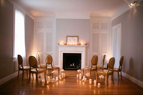 Are you thinking about a small wedding? Here's a great seating arrangement for that.