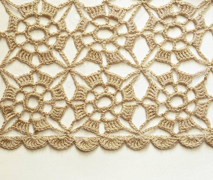 Beige Crochet Lace On White Background Fotos, Retratos, Imágenes Y Fotografía De Archivo Libres De Derecho. Image 22307392.
