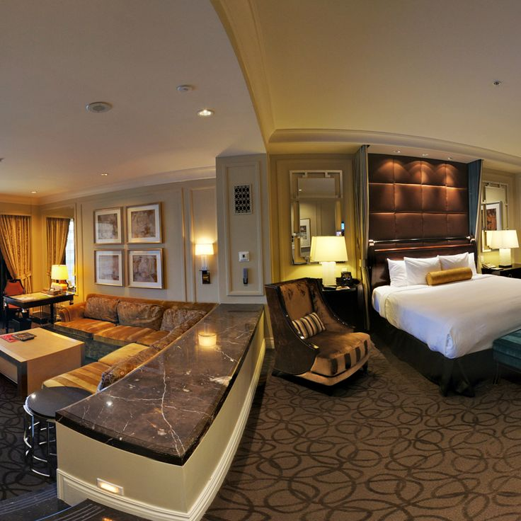 After staying in this suite you can see how its almost impossible to stay anywhere else in Vegas: Luxury Suite at the Palazzo