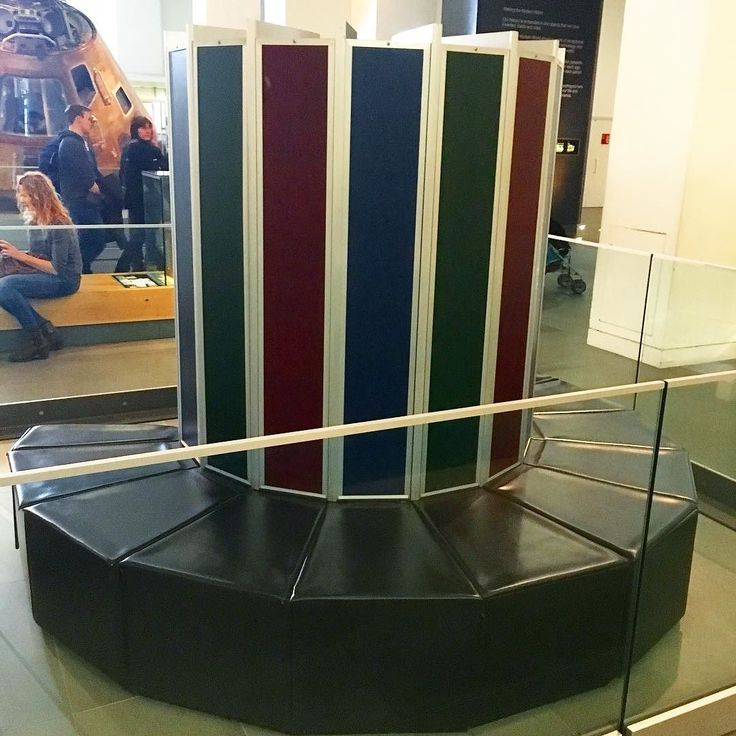 17 best ideas about built in seating on pinterest corner for Cray 1 architecture