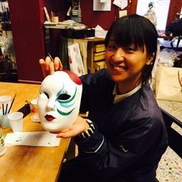 Happy student makes us happier! Book your workshop in Venice and learn how to decor your own papier mache Venetian Mask on www.marega.it
