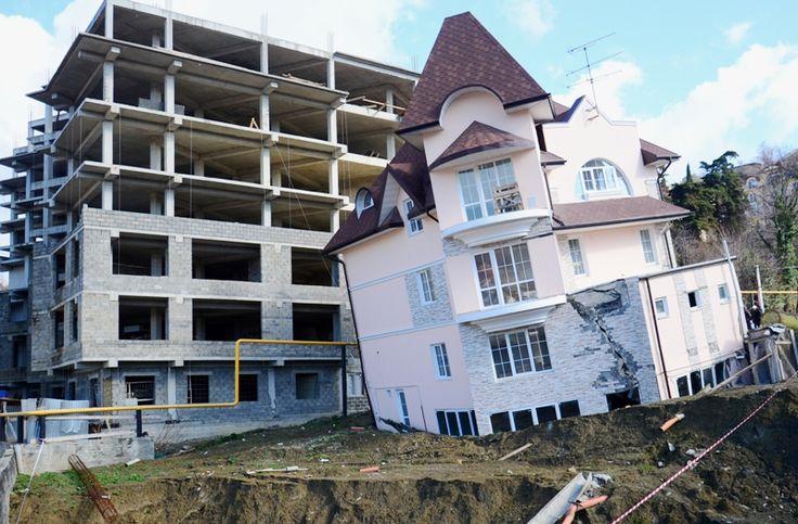 falling house in Sochi