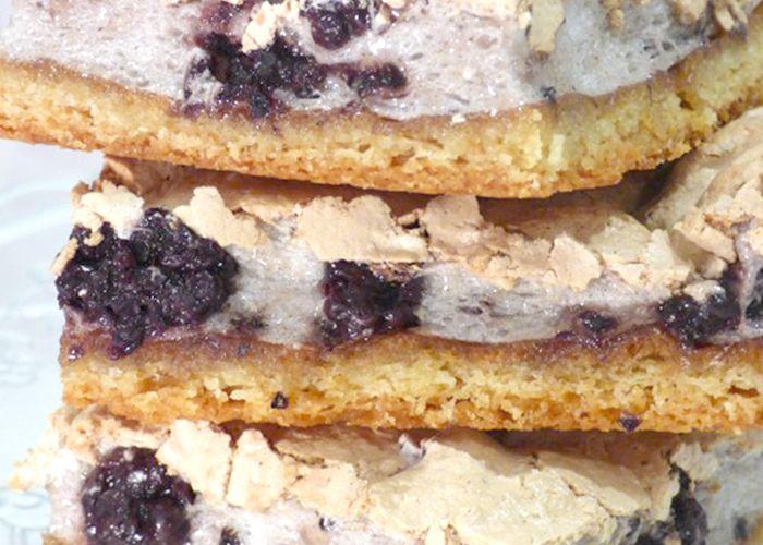 https://www.sabarot.com/tarte-meringuee-aux-mures/