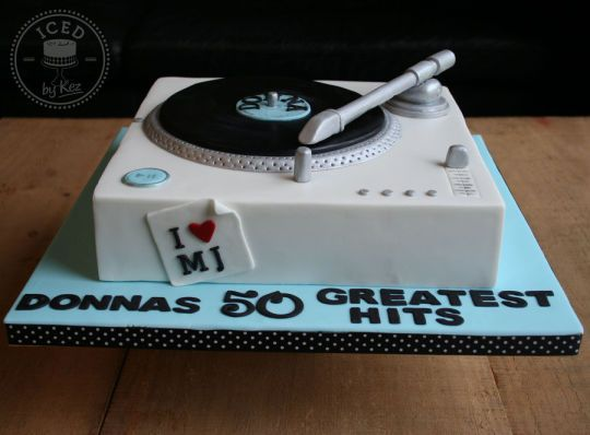 Record Player Cake with a hint of Michael Jacskon ;)