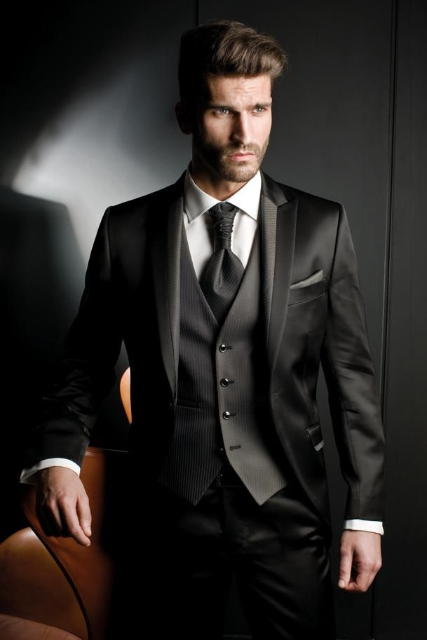 New Black Men Suits For Wedding Satin Peaked Lapel Grooms Tuxedos Three Pieces Slim Fit Groomsmen Suit Yt6981 Skinny