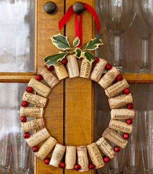 Easy Christmas Crafts - Christmas Wreath - Click Pic for 22 Fun Wine Cork Projects