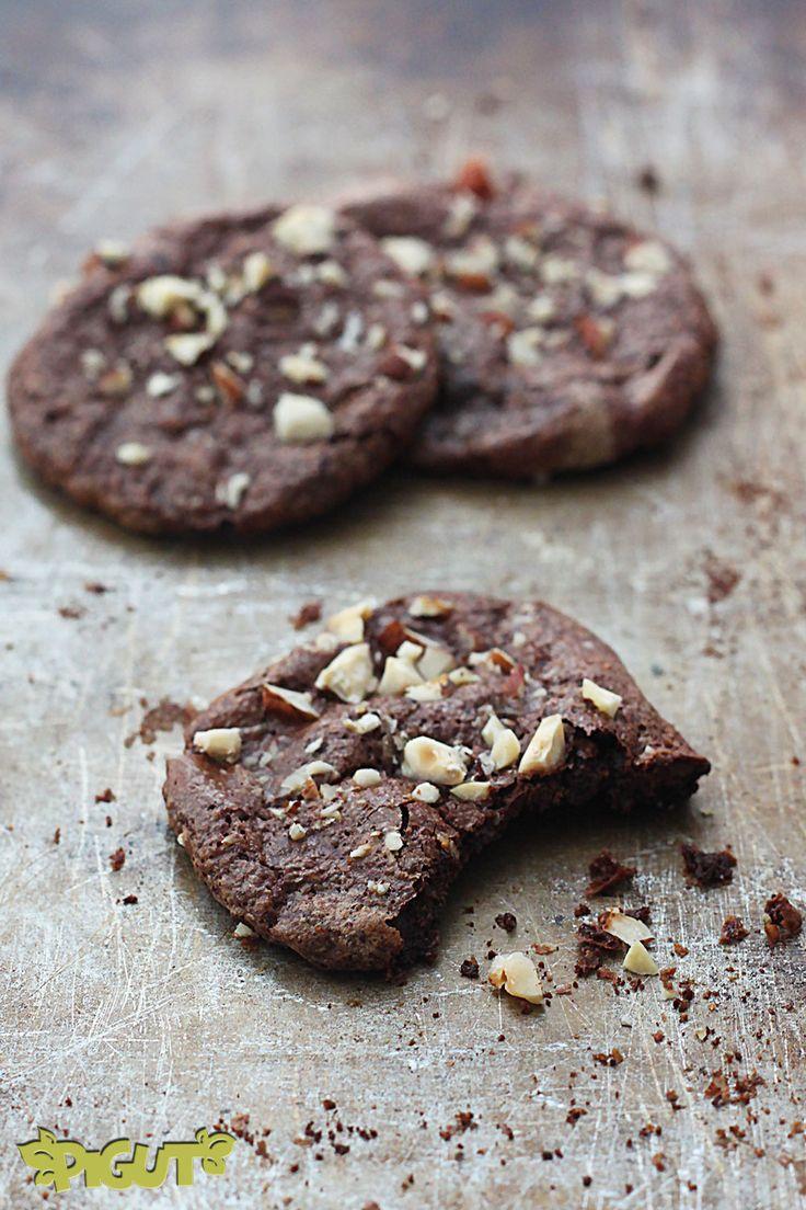 PIGUT - Incroyables Cookies Choco-Noisette à l'Aquafaba {sans farine, sans gluten & seulement 4 ingrédients}