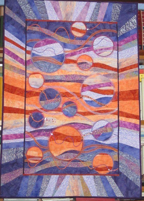 """@Pamella Vy Zoppi  """"solaris"""" tecnica #darnedquilt  ispirata dal celebre romanzo di fantascienza"""