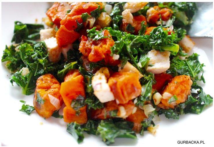 Sałatka z mega dawką witaminy A (idealna na diecie, szczególnie dla kobiet) - Sałatka z dynią, jarmużem i kurczakiem, mega dawka witaminy A