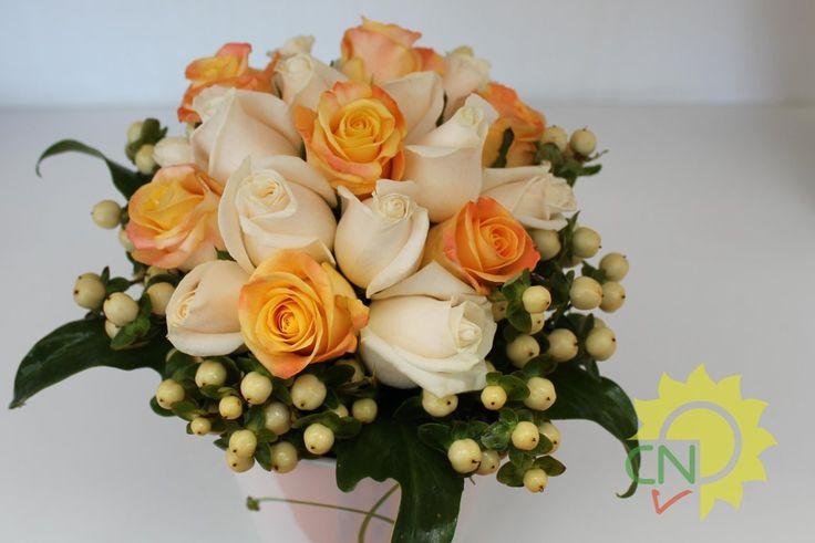 Bouquet da sposa rose e bacche #wedding #white #orange #bouquet #flower  #rose