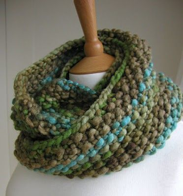 Indie Circular Scarf Instructions... another reason to take up knitting again!  :)