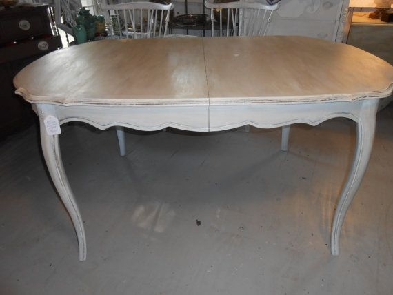 Country French Vintage Oval Dining Table w/ Leaf