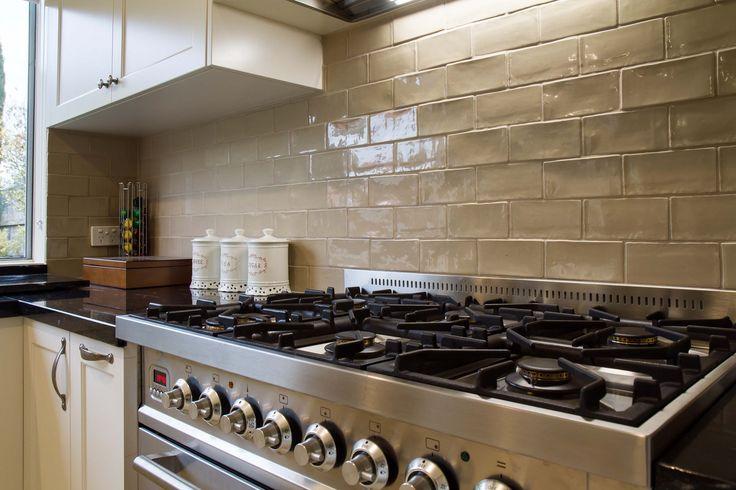 Large traditional kitchen with granite benchtops. Handmade subway tiled splashback. www.thekitchendesigncentre.com.au @thekitchen_designcentre