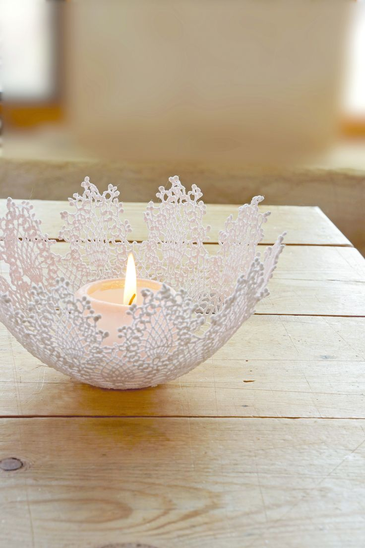 Doily Snowflake Bowl  •  Free tutorial with pictures on how to make a lace bowl in under 60 minutes