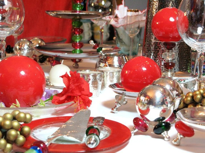 Festive red candles with matching Tiffinware accessories