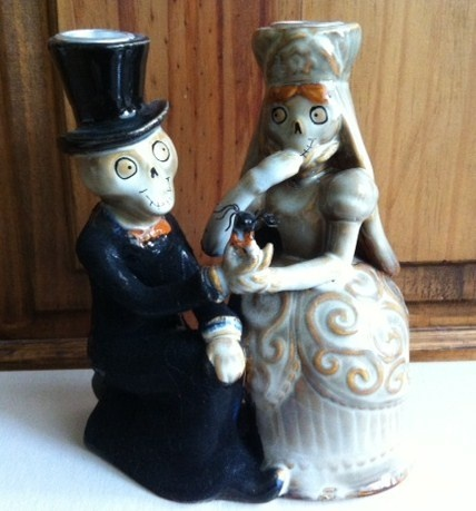 YANKEE CANDLE BONEY BUNCH BRIDE & GROOM TAPER CANDLE HOLDER HALLOWEEN