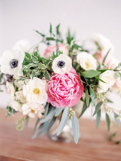 Pretty flowers: http://www.stylemepretty.com/living/2015/03/24/behind-the-scenes-with-hey-gorgeous-events/ | Photography: Bradley James - http://www.bradleyjamesphotography.com/