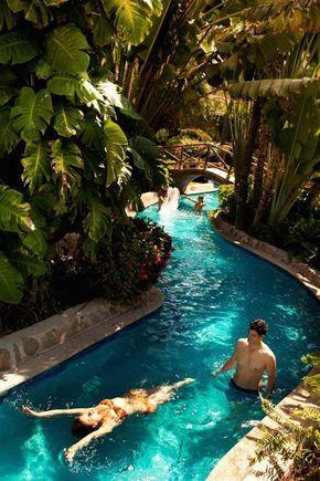 Sei que estamos entrando na época de frio no Brasil, porém, para um país tropical como é o nosso, ter uma piscina em casa significa muita liberdade, confort
