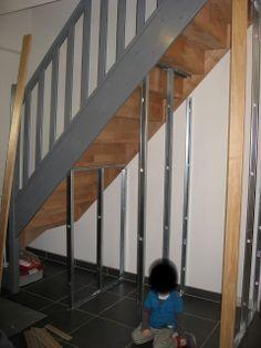 Maison de Jérôme et Laetitia: Aménagement meuble sous escalier