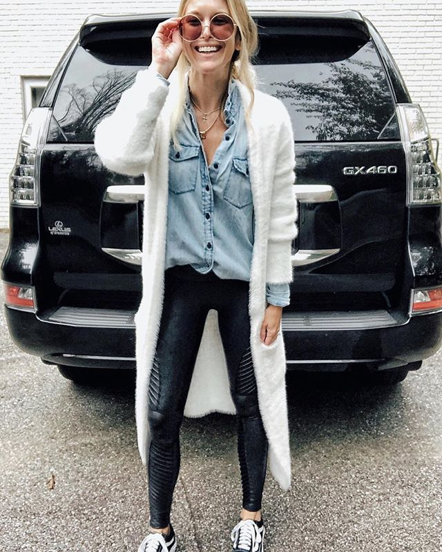7e55c16e64f70a Mom style: cardigan + chambray blouse + Spanx leather legging + sneakers