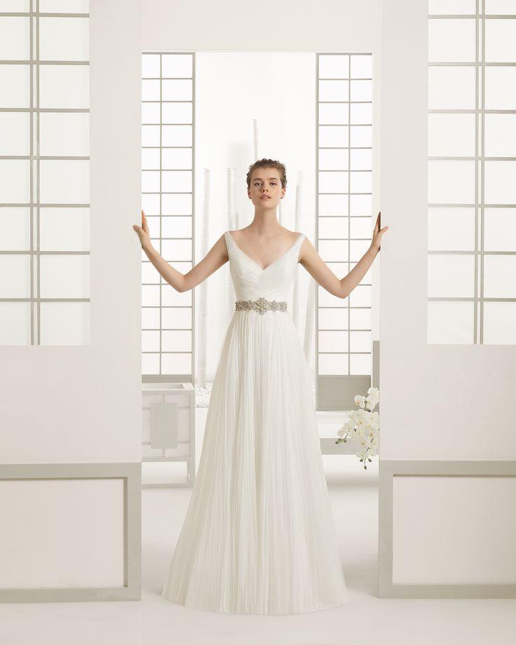 Hochzeitskleid aus Tüll. Rosa Clará Kollektion 2016.