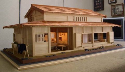 Handmade Japanese Dollhouse.  I wish I had the skills to make this myself - it reminds me of my favourite book as a child Miss Happiness & Miss Flower in which the little girl makes a Japanese house for her two Japanese dolls.