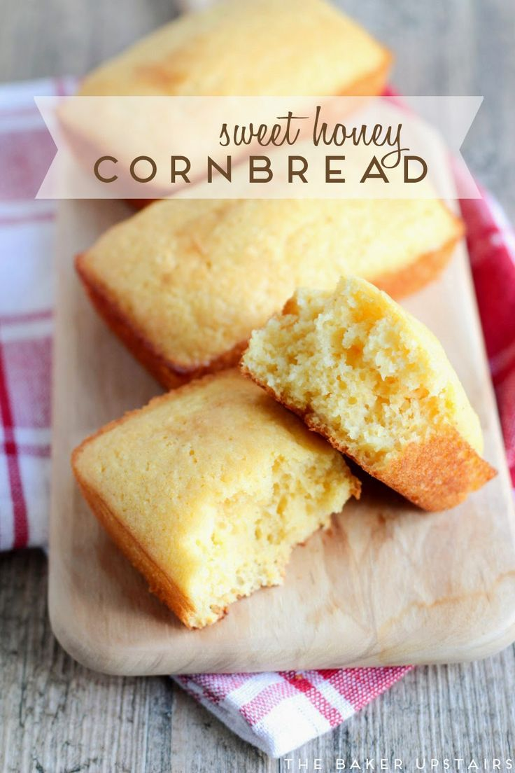 Sweet honey cornbread - sweet, light, and tender! www.thebakerupstairs.com
