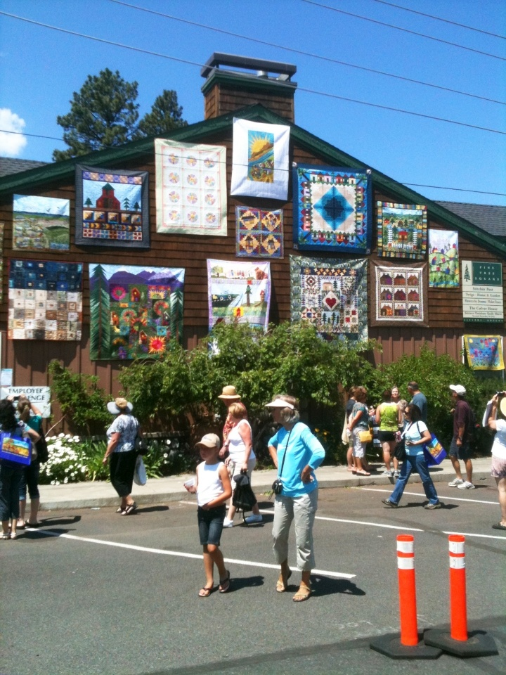 Sisters Quilt Show in Oregon...I am so going to this one of these years!!!